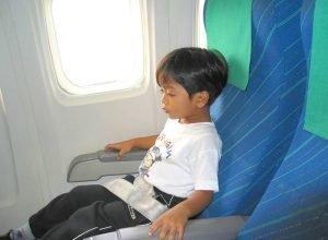 kids airplane travel